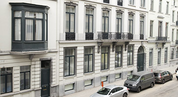 Close to Ave Louise and Place Stephanie, in one of Brussels most prestigious areas. Shops, restaurants, transport facilities are a short walk away.